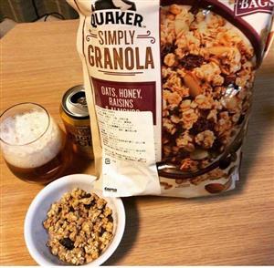 yen-mach-simply-granola
